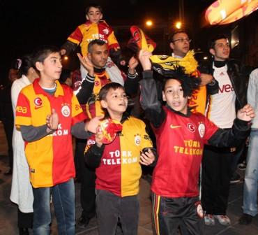 Konya'da çeyrek final kutlamaları