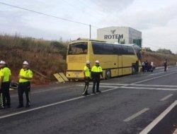 Tur Otobüsü Kaza Yaptı 4 ölü 40 yaralı