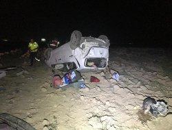 Otomobil, Tarlaya Takla Attı:2 Ağır, 5 Yaralı