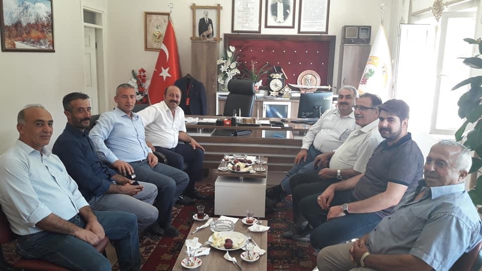 Etyemez'den Bakkal'a ziyaret