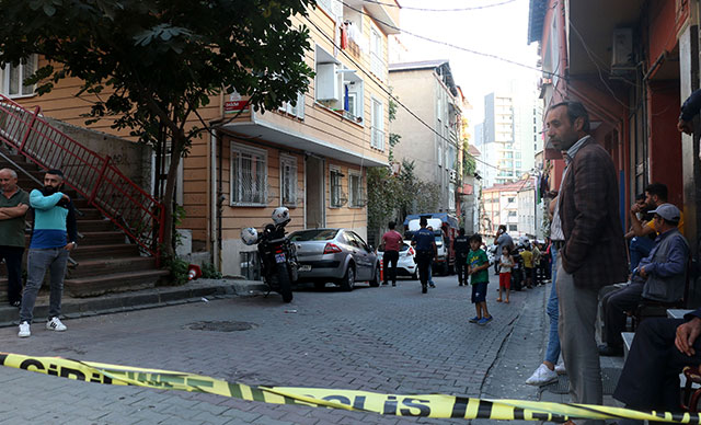 Polis kazayla meslektaşını vurdu