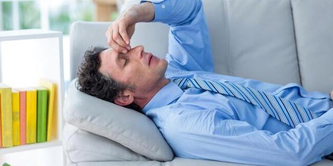 Küme baş ağrısı, erkeklerde daha sık görülüyor