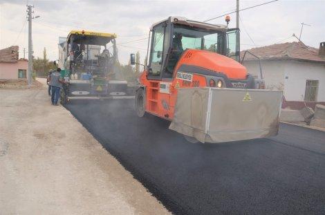 04.11.2019-eregli-belediyesi-sicak-asfaltta-hiz-kesmiyor-4.jpg
