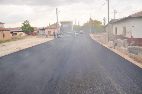 04.11.2019-eregli-belediyesi-sicak-asfaltta-hiz-kesmiyor-6.jpg