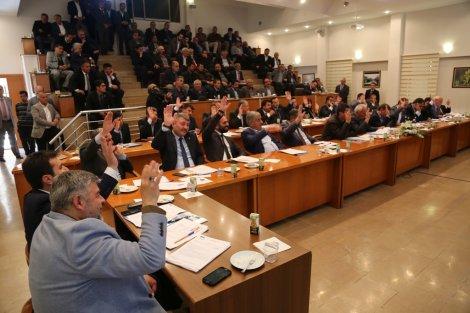 13.04.2019-eregli-belediye-meclisi-ilk-toplantisini-gerceklestirdi-3.jpg