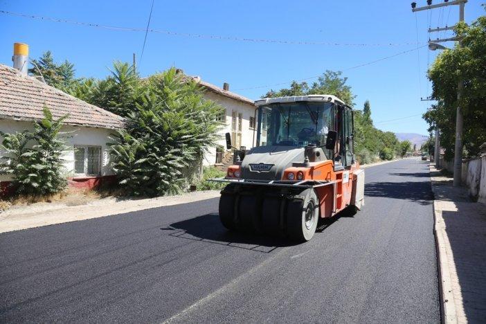 dogu-alagoz-mahallesi-turbe-caddesi-tahtakopru-mevkiinde-sicak-asfalt-calismasi-003.jpg