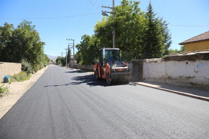 dogu-alagoz-mahallesi-turbe-caddesi-tahtakopru-mevkiinde-sicak-asfalt-calismasi-004.jpg