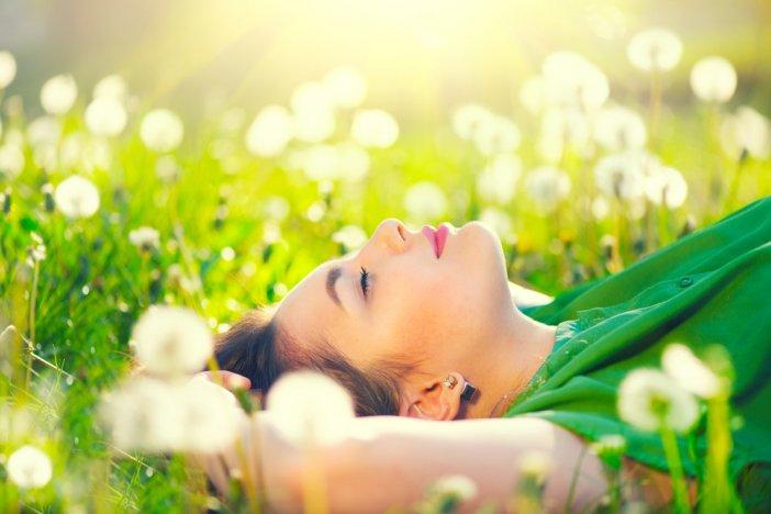 yaz-mevsiminde-tetiklenen-bazi-alerjiler-tum-yil-bekledigimiz-tatile-golge-dusurebiliyor-001.jpg