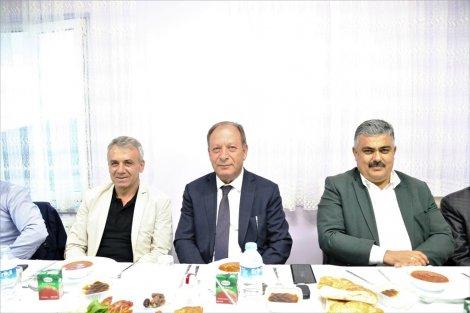 baskan-oprukcu-huzurevi'nde-iftar-yemegine-katildi-1.jpg