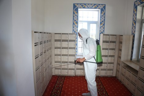 eregli-belediyesi-camileri-dezenfekte-etti-003.JPG
