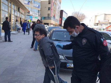 polis-sokakta-yaslilarin-atesini-olcuyor-004.jpg